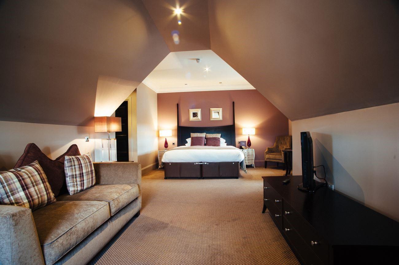 Honeymoon suite at Dumfries Arms Hotel